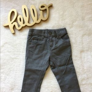 Crazy 8 gray skinny jeans (6-12 months)